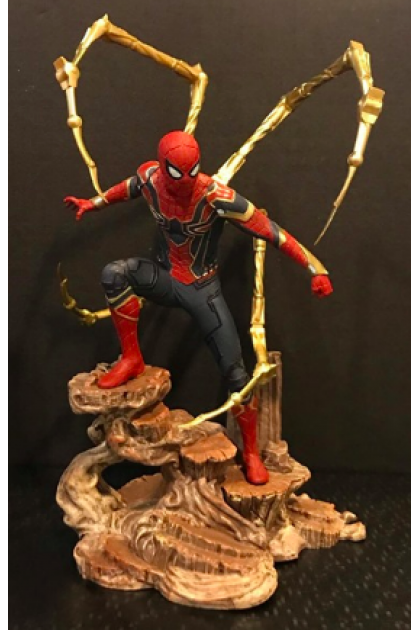 Avengers Infinity War Marvel Gallery Diamond Select Toys Spider-Man Iron Spider PVC Statue (STT22)