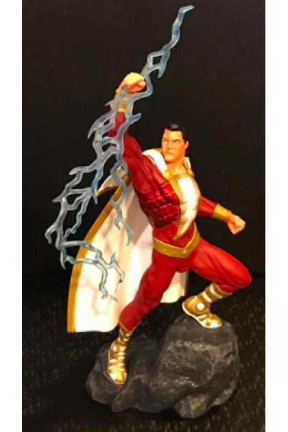 DC Comics DC Gallery Diamond Select Toys Comic Shazam PVC Statue (STT23)